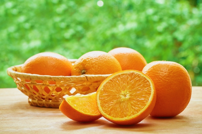 A bowl of oranges