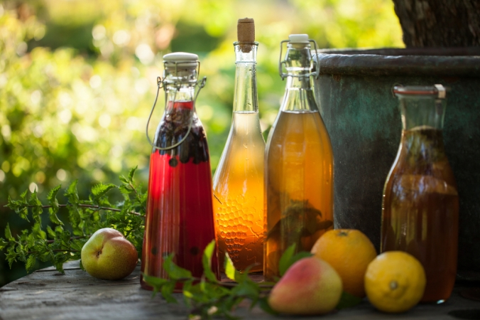 Kombucha,Second,Fermented,Fruit,Tea,With,Different,Flavorings.,Healthy,Natural