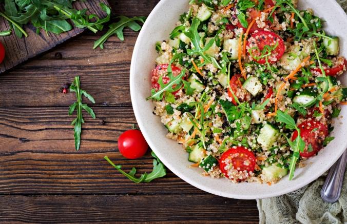 Salads,With,Quinoa,,Arugula,,Radish,,Tomatoes,And,Cucumber,In,Bowl
